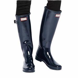 Hunter Tall Navy Blue Glossy Rain Boots + Socks